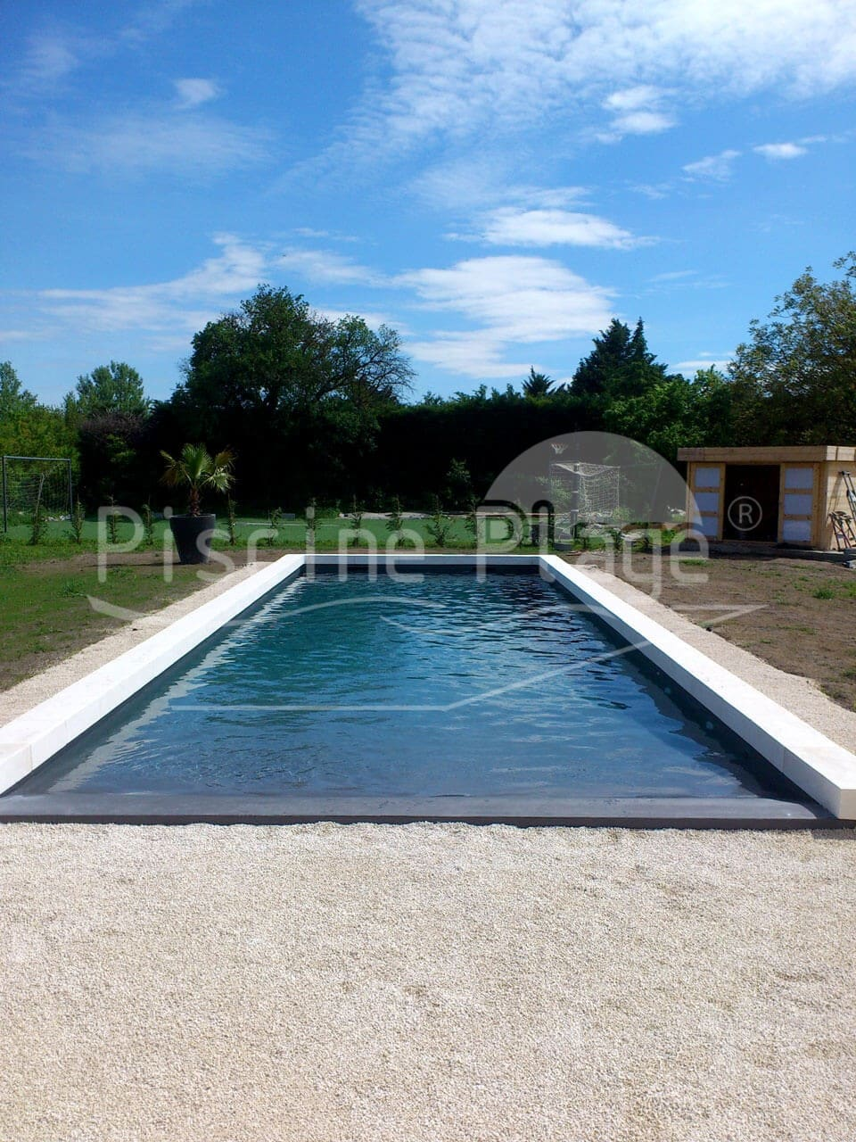 Piscine avec plage immerg e valence fr jus montpellier for Construction piscine montpellier